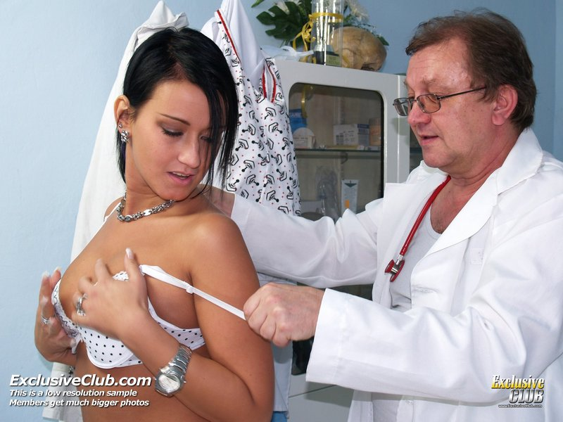 http://www.newexclusiveclub.com/fhg/carmen_vagina_doctor/gal1/002.jpg