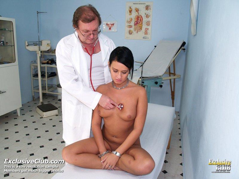 http://www.newexclusiveclub.com/fhg/carmen_vagina_doctor/gal1/004.jpg