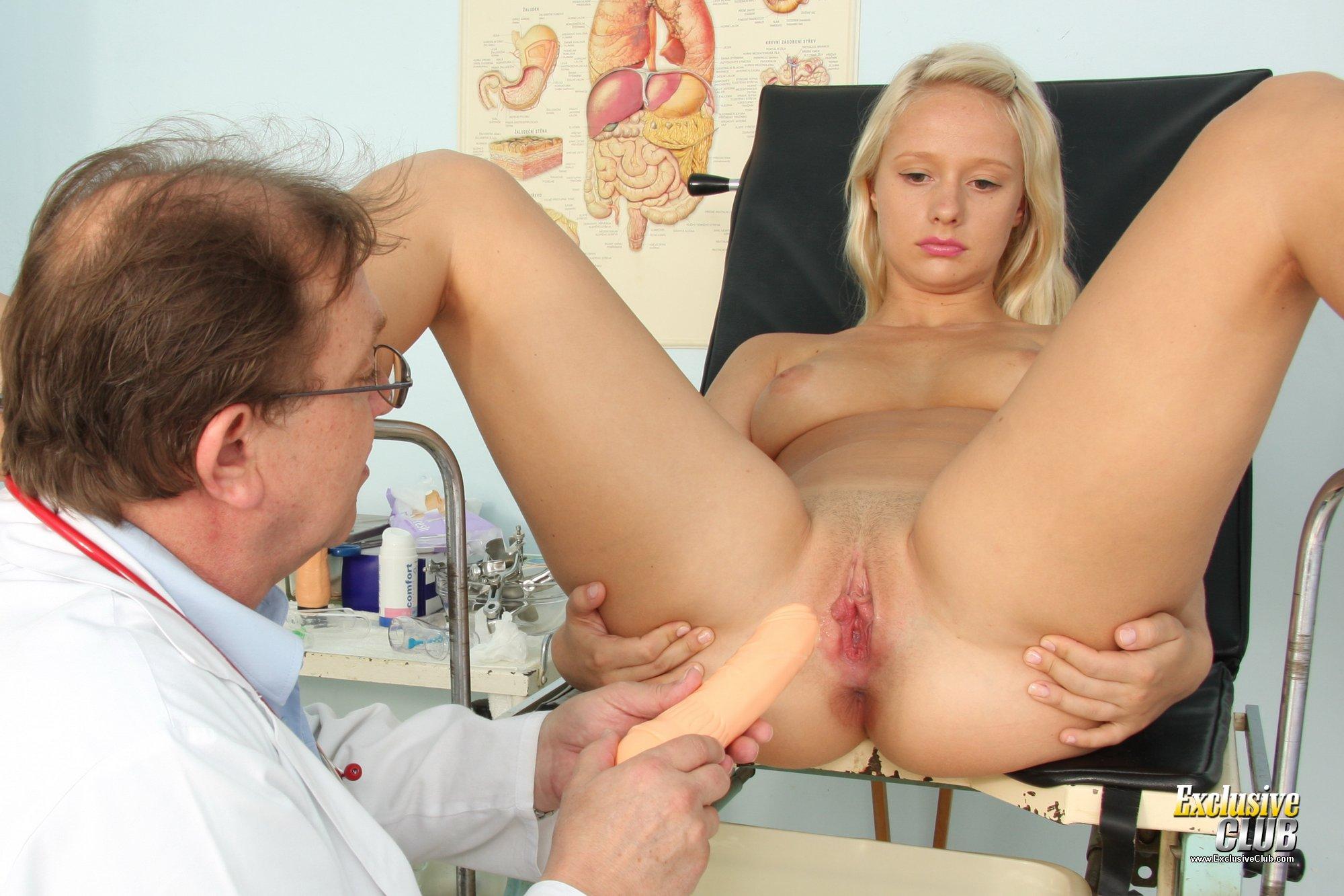 Смотреть в онлайн осмотр гинеколога, Порно осмотр у гинеколога и секс с врачом 16 фотография