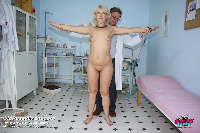 фото голои женщины у гинеколога