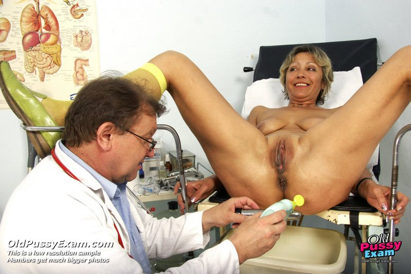 za-shirmoy-u-ginekologa