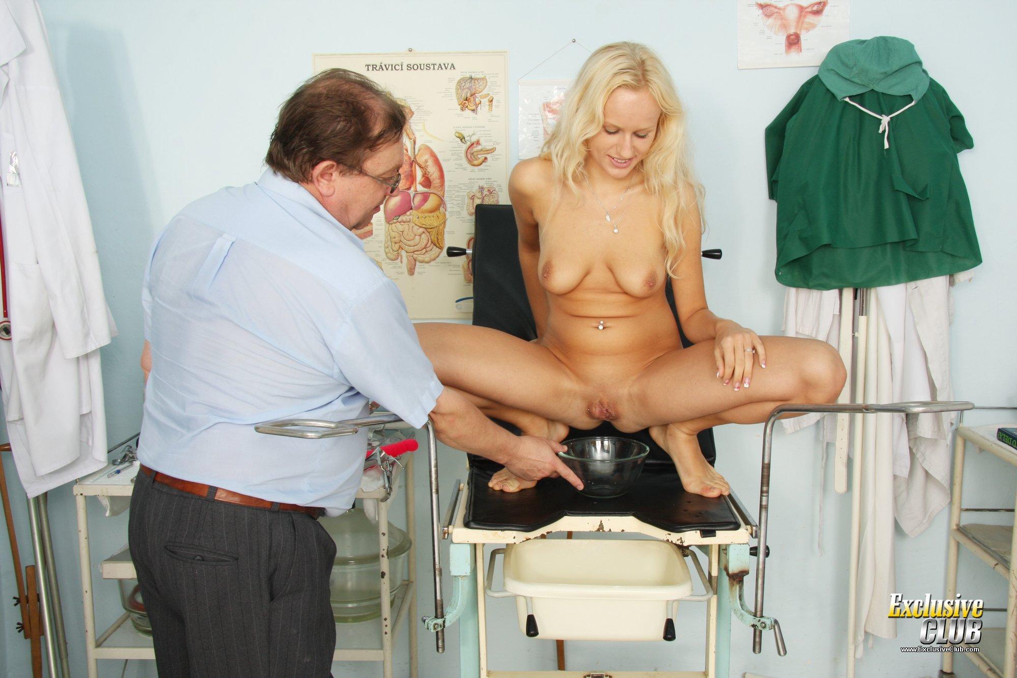 Ххх в кабинете гинеколога, Русское порно у гинеколога. Смотреть секс на приеме 13 фотография