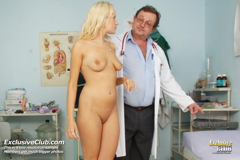 девушки осмотр у гинеколога фото