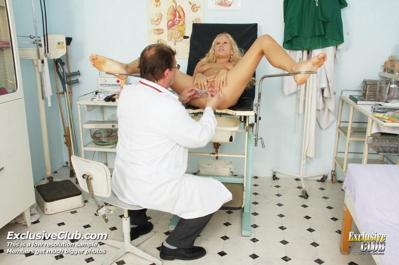 у гинеколога фото девушки